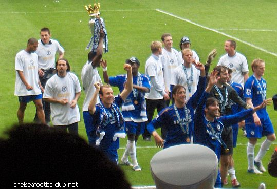 chelsea  fc celebrating , the premiership is ours once more
